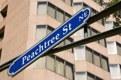 Verkeersteken voor Peachtree St royalty-vrije stock afbeelding