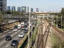 Verkehr auf begrenztem Pinheiros lizenzfreies stockbild