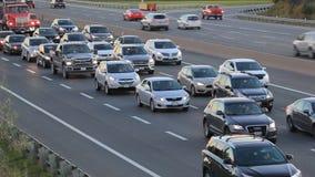 Verkehr auf der Autobahn in Toronto, Kanada stock video footage