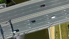 Verkehr auf der Brücke stock footage