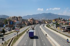 Verkehr auf der Straße lizenzfreie stockfotografie
