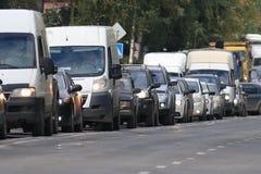Verkehr auf der Straße Stockfoto