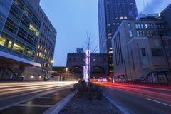 Verkehr auf Kongreß Parkwy in Chicago stockbild