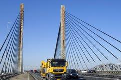 Verkehr auf Martinus Nijhoff Bridge auf Autobahn A2 Lizenzfreies Stockbild