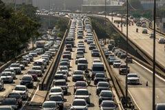 Verkehr auf Radial-Leste Avenue lizenzfreie stockbilder