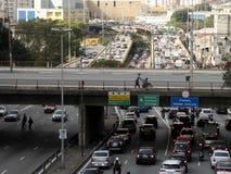 Verkehr auf Radial-Leste Avenue lizenzfreie stockfotografie