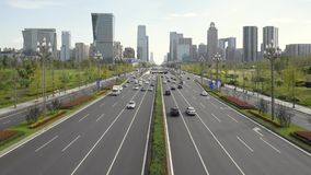 Verkehr auf Tianfu-Allee in Chengdu stock footage