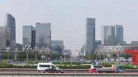 Verkehr auf Tianfu-Allee in Chengdu stock video footage