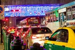 Verkehr in Bangkok bis zum Nacht Lizenzfreies Stockfoto