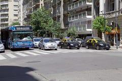 Verkehr in Buenos Aires, Argentinien Lizenzfreie Stockbilder