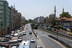 Verkehr in den Straßen von Istanbul Stockbild