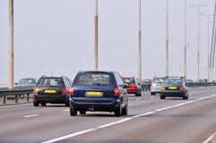 Verkehr an der Brücke lizenzfreie stockfotos