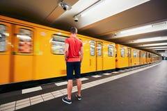 Verkehr in der U-Bahn lizenzfreie stockfotografie