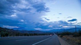 Verkehr in der Wüste stock video footage