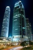 Verkehr durch in die Stadt in Hong Kong lizenzfreie stockfotos