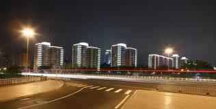 Verkehr durch im Stadtzentrum gelegenes Peking lizenzfreies stockfoto