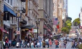 Verkehr im Finanzbezirk von San Francisco CA Stockbild