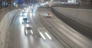 Verkehr im Stadtabend timelapse stock video