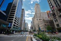 Verkehr im Stadtzentrum gelegenes Chicago auf Michigan-Allee Lizenzfreies Stockfoto