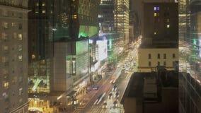 Verkehr nachts auf 8. Allee stock video