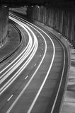 Verkehr am Tunnel lizenzfreies stockbild