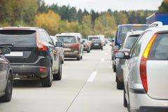 Verkehr während der Hauptverkehrszeit Stockbilder