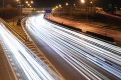 Verkehrs-Nacht der Stadt Stockfoto