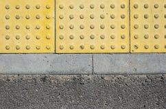 Verkehrs-Weg für blinde Völker-Beschaffenheit Stockfotos