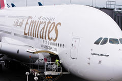 Verkehrsflugzeug Emirat-Fluglinien-Airbus-A380 stockfotografie