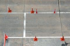 Verkehrskegel auf der Straße Lizenzfreies Stockfoto