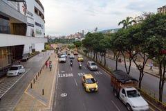 Verkehrsreiche Straße in Bucaramanga Stockbild