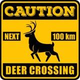 Verkehrsschild - Aufmerksamkeits-Tier, wilde Rotwild-Überfahrt Auch im corel abgehobenen Betrag stock abbildung