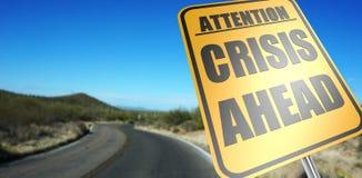Verkehrsschild der Krise voran stockfoto