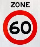 Verkehrsschild der Zone 60 Stockfotos
