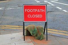 Verkehrsschild für einen geschlossenen Fußweg Lizenzfreie Stockbilder