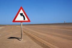 Verkehrsschild innen die Namibische Wüste stockbild