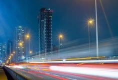 Verkehrsstadtnacht in Bangkok, Thailand Lizenzfreies Stockbild