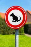 Verkehrszeichenhunde verboten zum Heck Lizenzfreies Stockbild