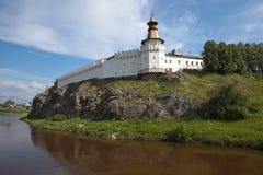 Verkhotursky der Kreml auf dem Fluss-Ausflug Verkhoturye Stockfotos