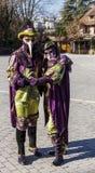 Verkleidet verbinden Sie - venetianischen Karneval 2014 Annecys stockbild