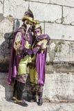 Verkleidet verbinden Sie - venetianischen Karneval 2014 Annecys stockfotos