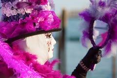 Verkleidete Frau am Karneval von Venedig Stockbild