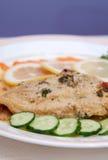 Verkleidung der Fische und des Salats Stockbild