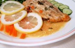 Verkleidung der Fische und des Seitensalats Stockfoto