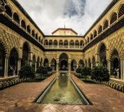 Verklig Alcà ¡ zar de Sevilla Arkivfoto