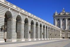 Verkliga Palacio - Royal Palace i Madrid, Spanien Royaltyfria Bilder