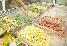 Verkocht in gewicht voedsel Stock Foto's