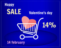 Verkoop van de Dag van Valentine ` s Boodschappenwagentje met hart op een blauwe achtergrond Karretje op wielen Royalty-vrije Stock Foto