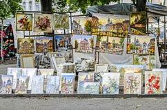 Verkoop van schilderkunst op de straat van Lviv Royalty-vrije Stock Fotografie