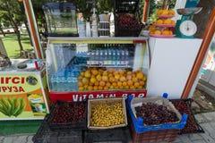 Verkoop van vers fruit Stock Fotografie